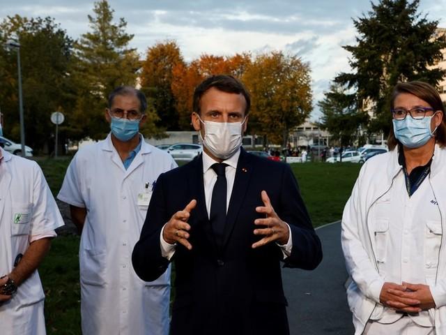 Contagiin calo in Francia, possibile allentamento delle restrizioni