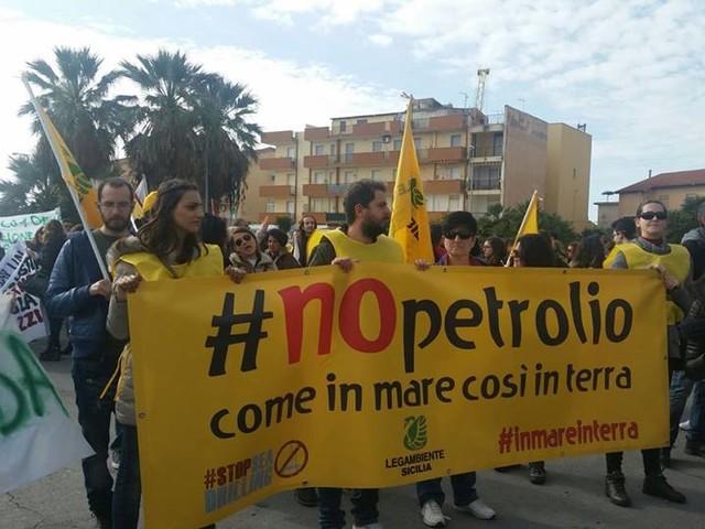 Estrazioni di petrolio e gas, Greenpeace, Legambiente e Wwf al Governo: «No alla sospensione, aboliamo esenzioni sotto soglia»