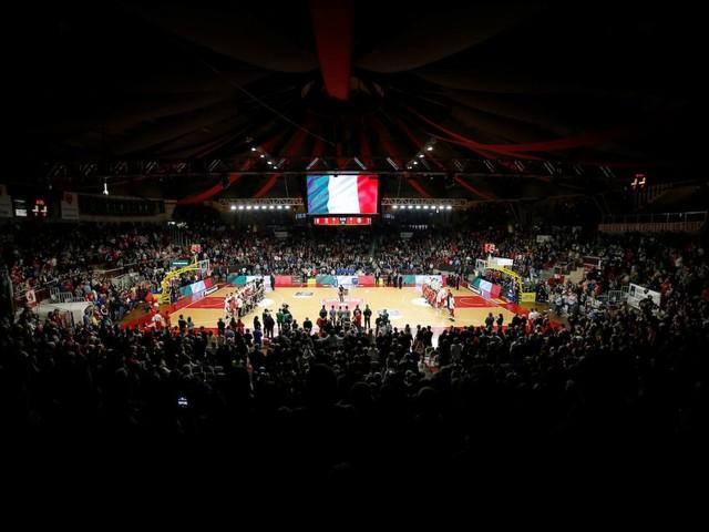 Basket: importante novità per la sicurezza dei giocatori, via gli adesivi pubblicitari sui parquet di Eurolega