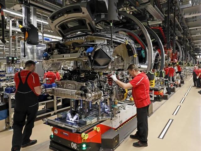 Industria, nel primo trimestre -5,7% produzione