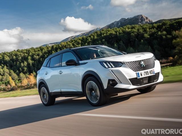 Peugeot e-2008 - Al volante della Suv elettrica