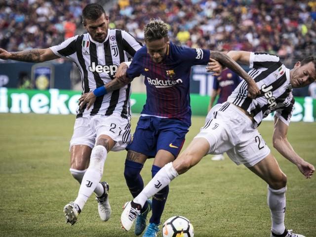 Tutti pazzi per il caso Neymar: Cavani allo scoperto, Piquè prova a trattenerlo