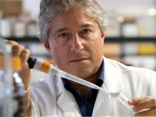 """Covid-19, intervista al professor Giordano: """"Scuole impreparate, pochi i vaccini promettenti"""""""