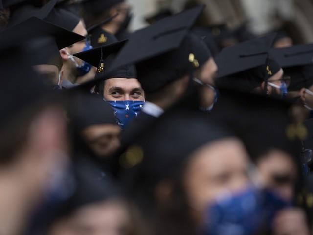 Lauree abilitanti, odontoiatri, veterinari, psicologi e farmacisti non faranno più l'esame di Stato