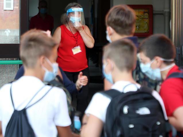 Coronavirus, nuovi contagi in un asilo e in una primaria