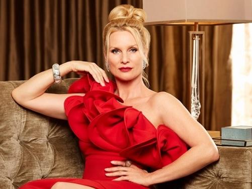 Serie Tv, novità: Dynasty, Nicolette Sheridan sarà Alexis Carrington il ruolo di Joan Collins