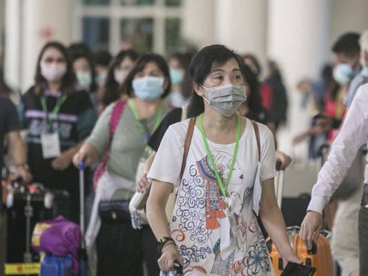 Fuga dalla Cina. Pechino fa cadere le prime teste