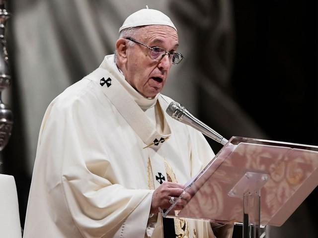 """Sbarchi, il Papa rincara la dose: """"No a una logica dello scarto"""""""