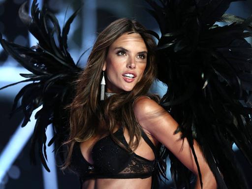 L'After Party del Victoria's Secret Fashion Show è stato interrotto dalla polizia
