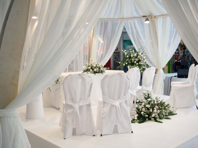 Festa di matrimonio al ristorante nonostante i divieti Covid: 20 multati a Ischia