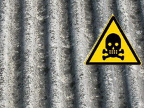 Amianto: bonifiche al palo, milioni di tonnellate nei siti ed è buio pure sul dove smaltirlo