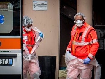La pandemia dilaga in Italia oggi record di contagiati: 205 morti e 25 mila nuovi casi