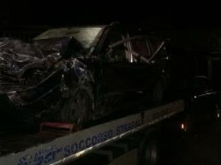 Scontro frontale nel Cosentino, morto un uomo Altre quattro persone sono ferite, grave una donna
