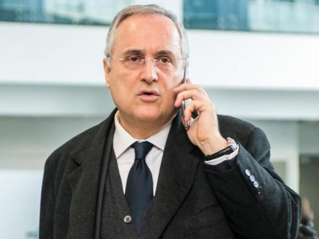 """Lazio multata dall'Uefa per i saluti romani. Lotito ai tifosi: """"Mi dovete 50.000 euro"""""""