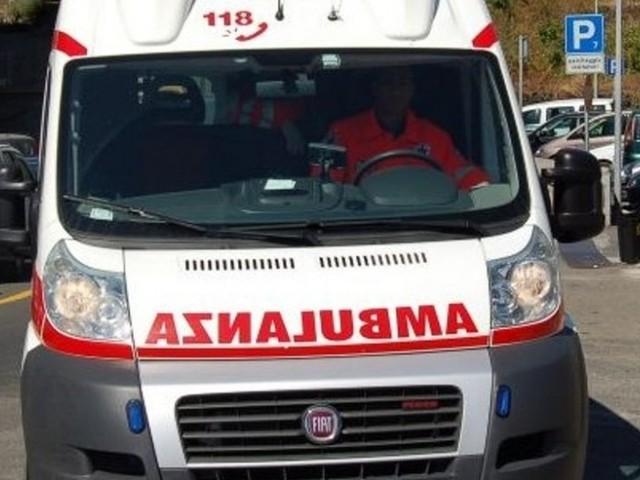 Tragedia a Palermo, un ragazzo di 18 anni si lancia dal nono piano