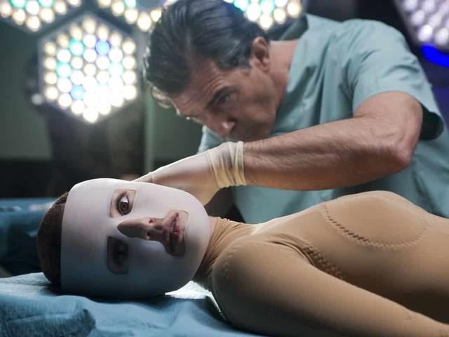 La Germania vuole proibire anche dai social le pubblicità di chirurgia estetica per i ragazzi
