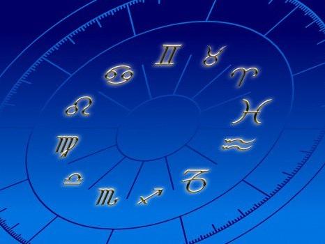 L'oroscopo di oggi, 19 ottobre: inizia il week end, cosa dicono gli astri segno per segno