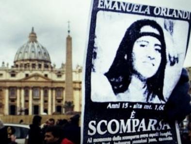 Caso Orlandi, tombe riaperte. Arriva il via libera del Vaticano