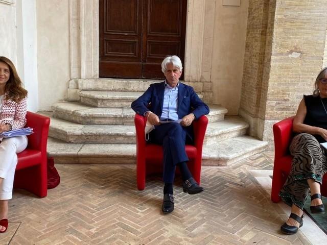 """Estate 2021 a Macerata, ecco il programma degli eventi: dalla """"Notte dell'Opera"""" a Dante Ferretti"""