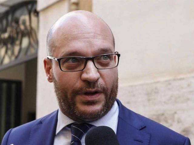 Chi è Lorenzo Fontana, il nuovo ministro per le Politiche europee
