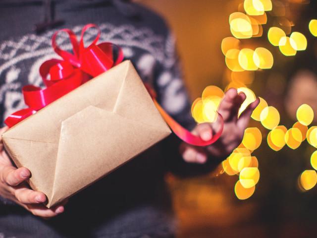 Idee regalo Natale: 15 offerte su Amazon Prime. Come funziona e come usarlo