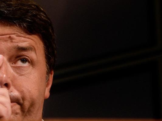 """""""Stare insieme non è un obbligo"""", dice Renzi"""