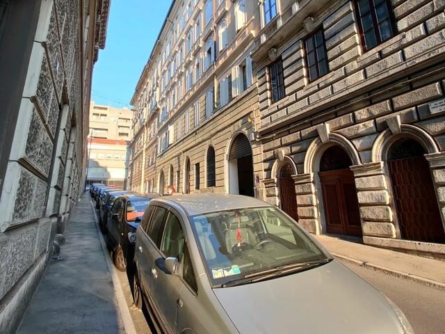 Morto l'operaio monfalconese caduto da una scala a Trieste