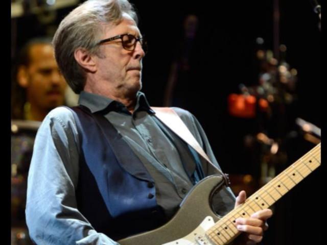 Eric Claptonfa dietrofront, il rocker anti Green Pass suonaper un pubblico di... vaccinati