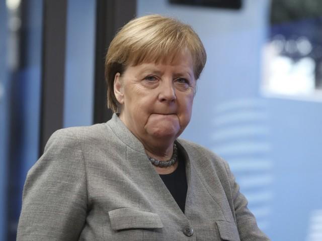 La Merkel vuole le ostetriche italiane: indeterminati e stipendi raddoppiati
