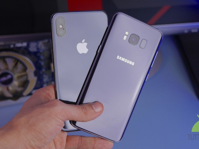 Galaxy vs iPhone, sentite Twitter: pesa Note 7, ma Samsung rende più felici