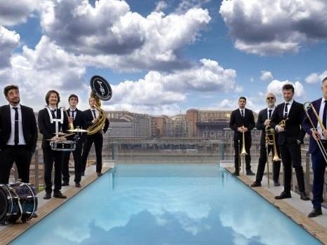Eolie Music Fest, concerti sul mare da Lipari a Stromboli: gli ospiti protagonisti sul palco-caicco