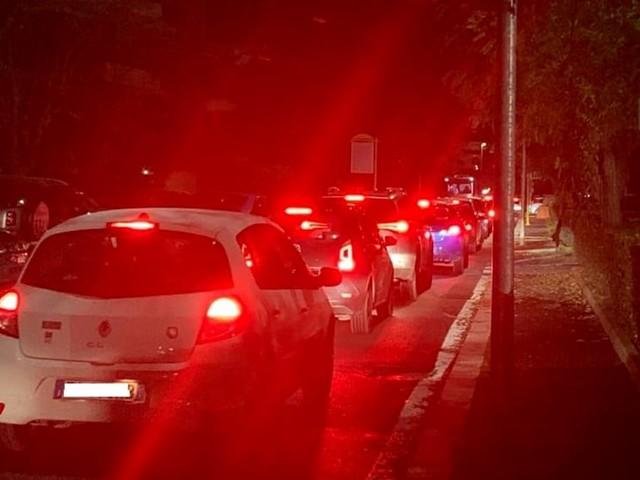 """Fonte Meravigliosa, mattina e sera il traffico è da bollino rosso: """"Vanno riprogettate le rotatorie"""""""