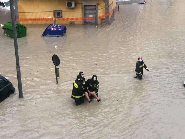 Il sindaco di Crotone ha chiesto ai cittadini di non uscire di casa