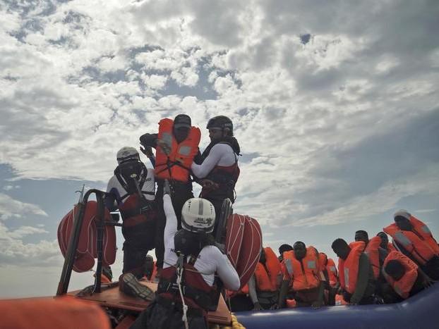 Migranti, la Germania accoglierà il 25% di chi sbarca in Italia