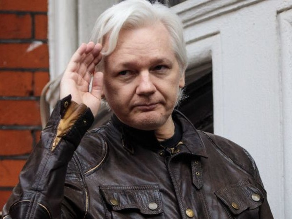 Assange Turned Down Dirt on Russia, Strongly Suggesting Ties to Being an Asshole