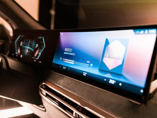 BMW porta al CES 2021 un assaggio del sistema iDrive del futuro