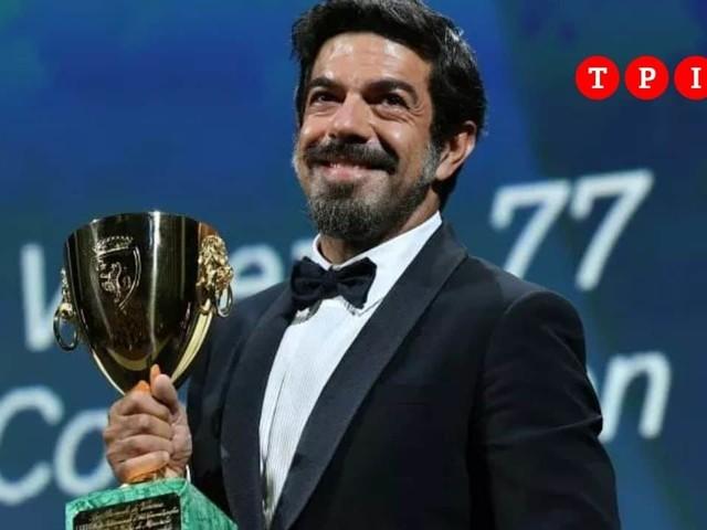 """Venezia 77, Leone d'oro a 'Nomadland'. Favino migliore attore: """"Lo dedico agli schermi che si accenderanno"""""""