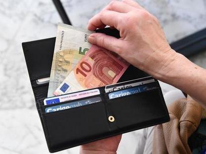 Italiani sempre risparmiatori L'84% mette da parte parte dello stipendio ogni mese