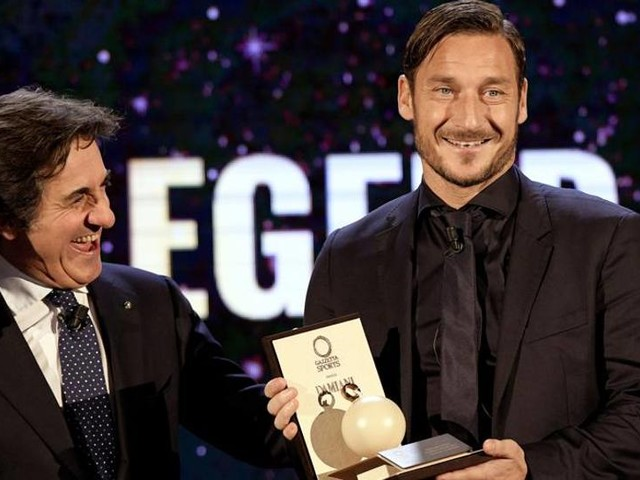 """Totti: """"Gattuso fa effetto... Roma, hai un'occasione Miei eredi? Io non ne vedo"""""""