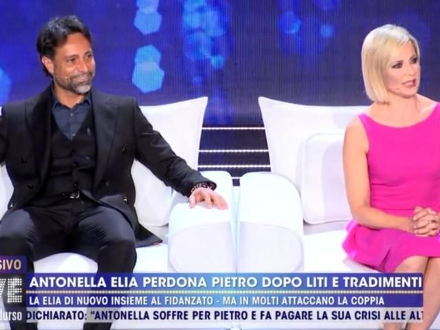 Live, il compagno di Antonella Elia, Pietro: 'Temptation Island è uno show, non è la vita'