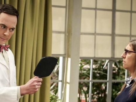 Foto e trama di The Big Bang Theory 11×06: Sheldon diventa il Professor Proton