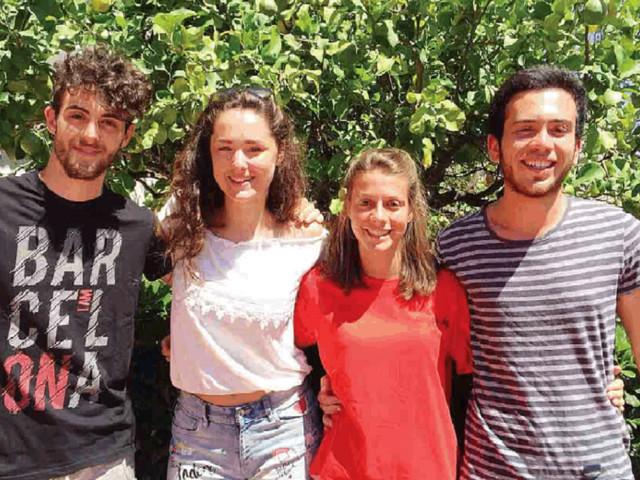 Cinque studenti di Arco eroi in Sicilia: salvano dal mare due mamme e quattro bambini