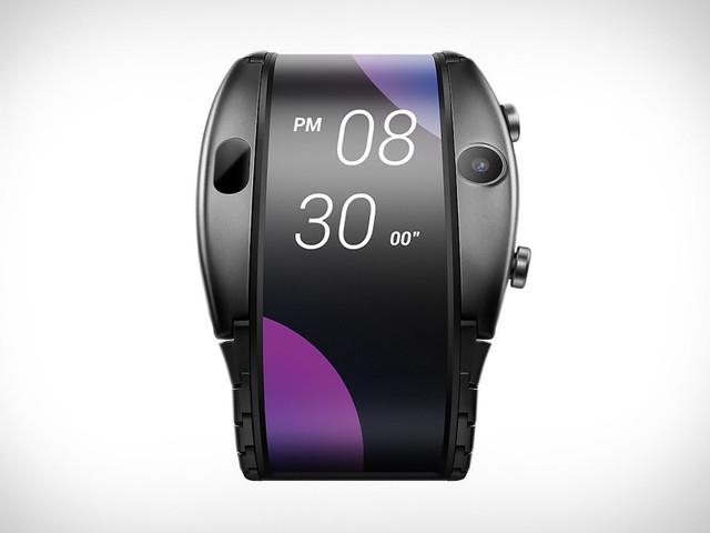 Nubia Alpha: esce in Italia l'ibrido smartphone-smartwatch con schermo pieghevole