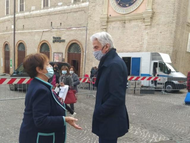 """Macerata, la Giunta Parcaroli """"elimina"""" la Ztl: arrivano i parcheggi in piazza della Libertà"""