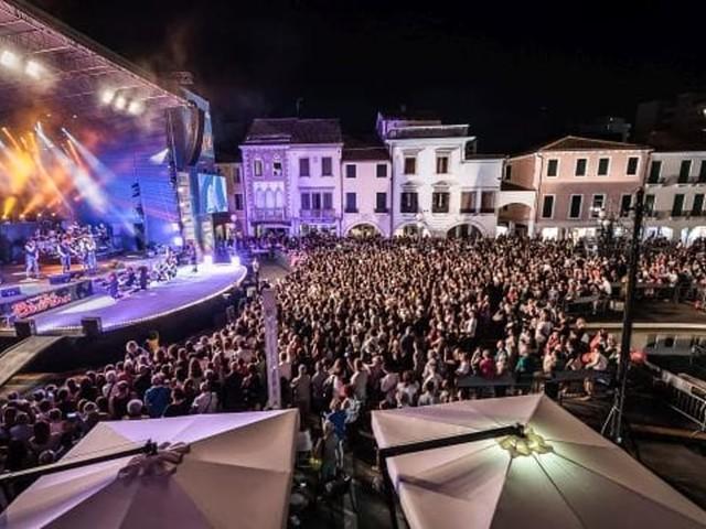 Festival Show fa tappa a Mestre con Lo Stato Sociale, Dolcenera, Fausto Leali e tanti altri