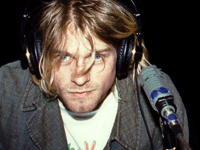 Kurt Cobain: all'asta il maglione mai lavato