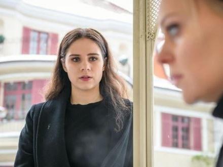 Tempesta d'amore, anticipazioni tedesche: Annabelle fa credere a Denise di non essere figlia di Christoph!