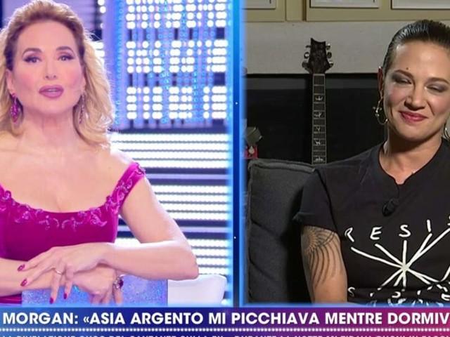 """ASIA ARGENTO E LA FIGLIA ANNA LOU CASTOLDI/ """"Baby 3? Mamma e papà hanno detto..."""""""