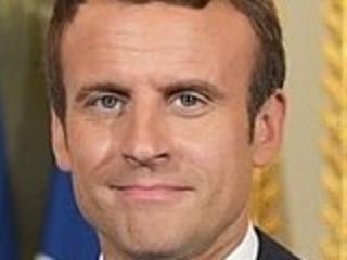 """Macron: """"La Nato è in morte cerebrale"""". Merkel prende le distanze, Mosca plaude"""