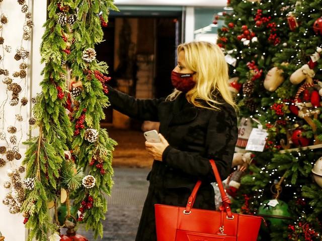 """Cenone, ristoranti e spostamenti: ecco il """"piano speciale"""" per Natale"""